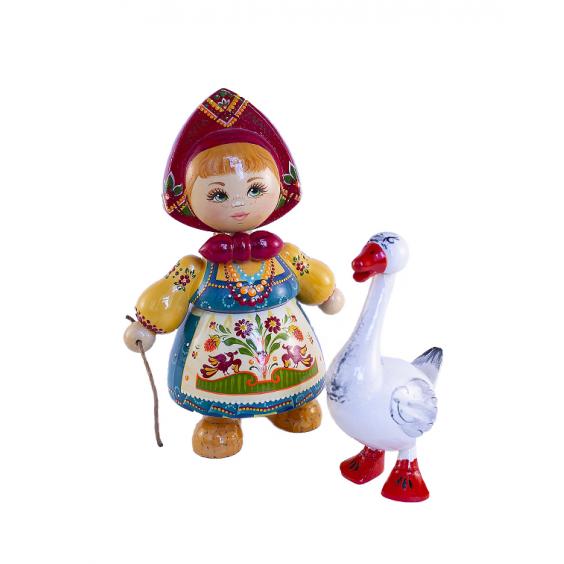 Кукла деревянная с гусем в ассортименте