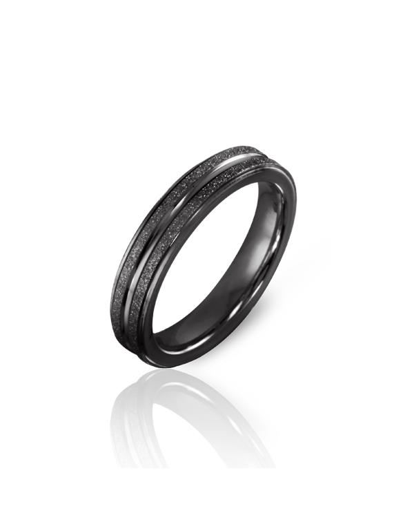 Кольцо стальное мужское с алмазным напылением и черным pvd