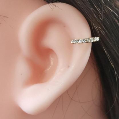 Серьга из стали для пирсинга уха