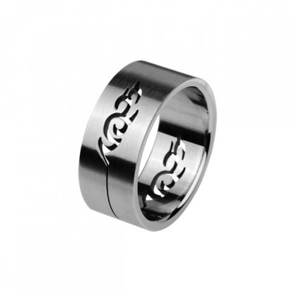 Кольцо стальное с изображением ящерицы