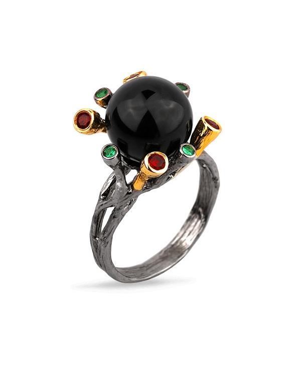 Кольцо из серебра 925 с черным ониксом, гранатом и зеленой шпинелью