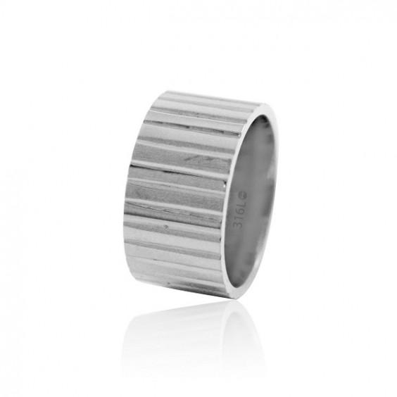 Кольцо стальное с ребристой поверхностью