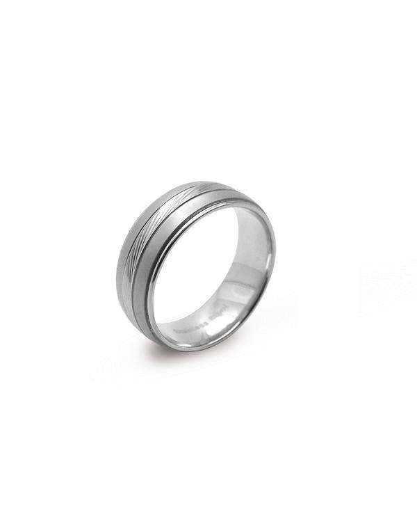 Кольцо стальное с ребристой полосой в центре