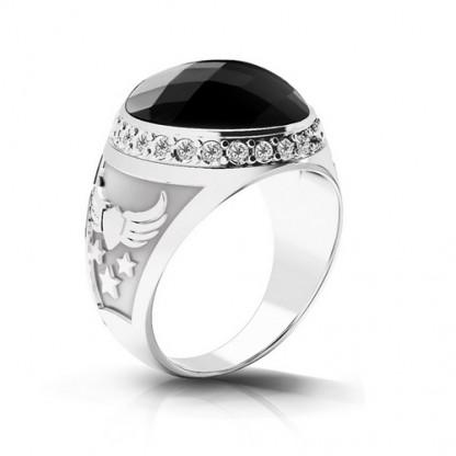 Перстень стальной с крупным чёрным фианитом и ореолом из фианитов белого цвета