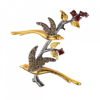 """Брошь """"птицы на ветке"""" из серебра 925 с гранатами, фианитами и позолотой"""